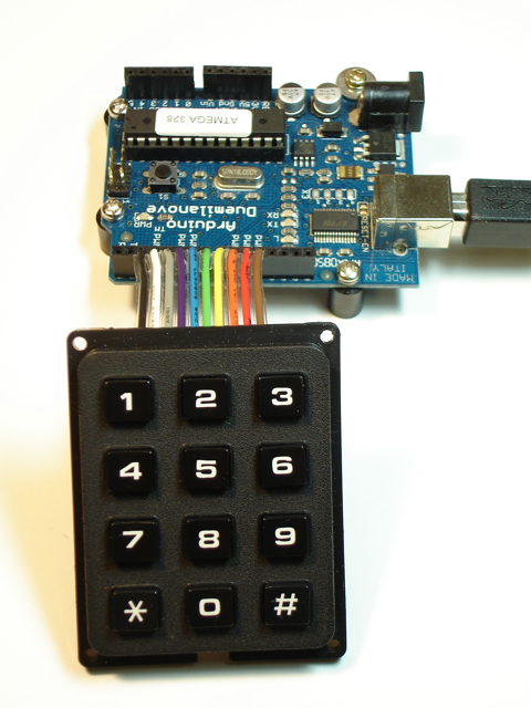 analogread - Analog Pins are sensing Values - Arduino